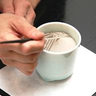 5. Nivele y dé forma a la superficie del cono